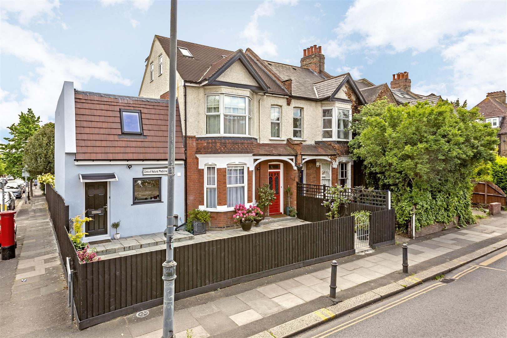 Queens Road, Wimbledon - Andrew Scott Robertson
